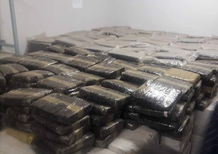 Direction des enquêtes douanières : 42 tonnes de drogue saisies