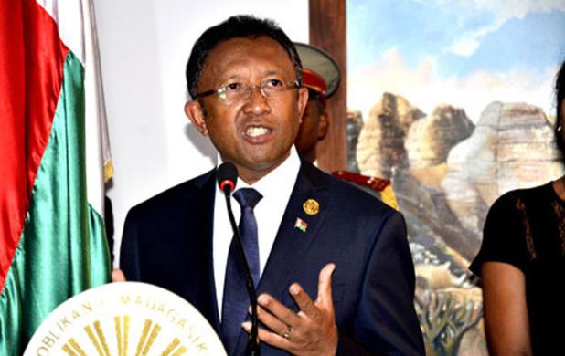 Madagascar  : Les démons de la Grande île émergent de l'océan