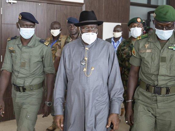 CNPS-M5 et position CEDEAO et OIF: Calculs et câlins politiques à Bamako, Abuja et Paris