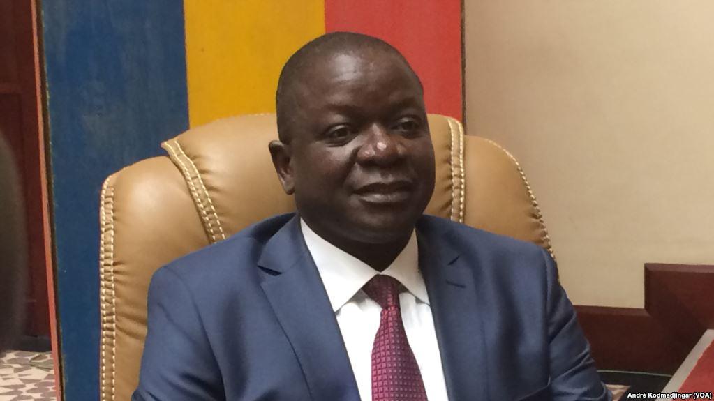 Albert Pahimi, premier ministre du CMT au Tchad: Pour rendre moins ostentatoires tenues bariolées et 4 étoiles