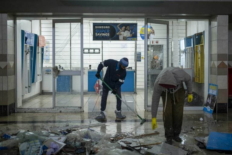 Mandela Day et nettoyage des casses: La Nation arc-en-ciel renoue avec l'esprit de Madiba