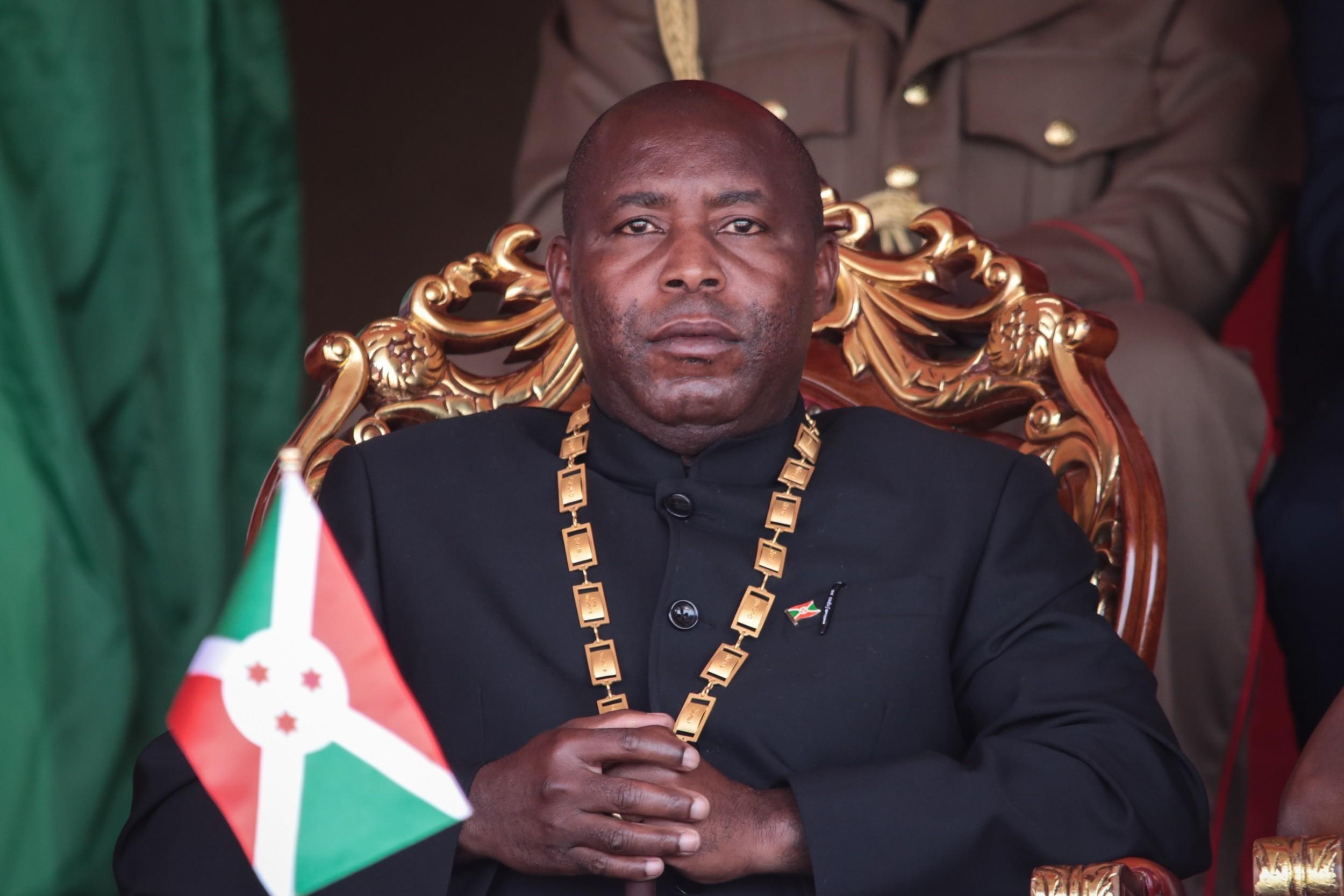 Burundi: Le président Ndayishimye fend l'armure