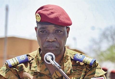 Valse de bérets à la hiérarchie des FAN: Voici venus les jours du général Gilbert Ouédraogo, nouveau CEMGA
